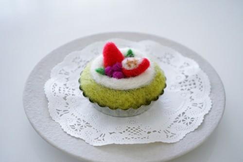 羊毛フェルトのケーキ