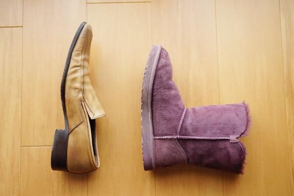 革靴とムートンブーツ