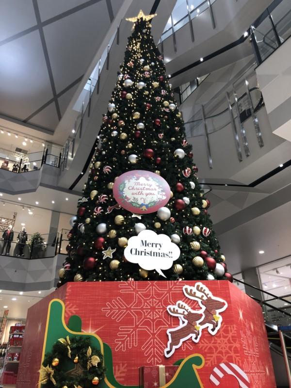イオンモールいわき小名浜のクリスマスツリーのフォトスポット