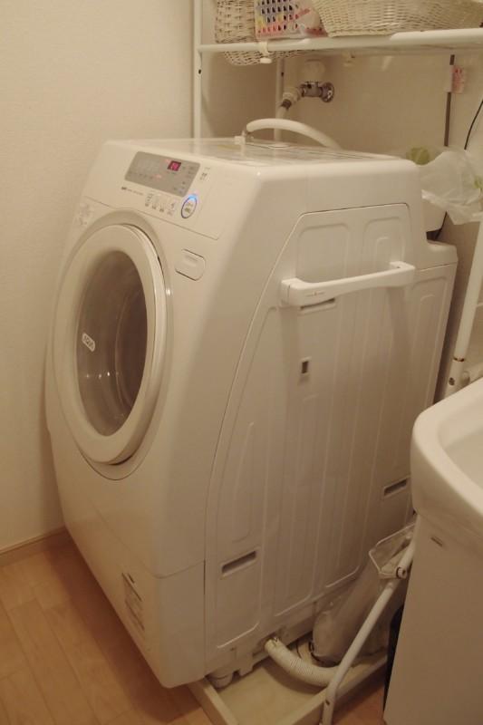 サンヨーのドラム式洗濯乾燥機